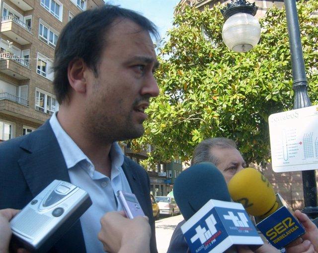 El concejal regionalista Javier López Estrada
