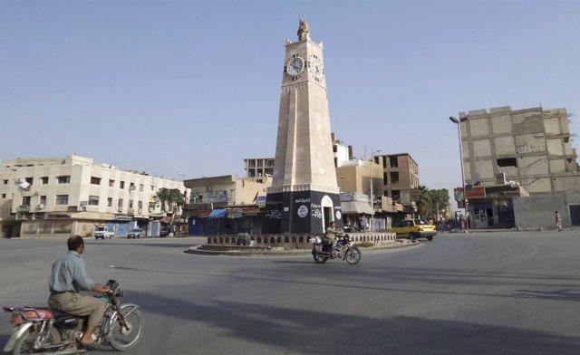 Calles del centro de Raqqa, ciudad siria capital del Estado Islámico