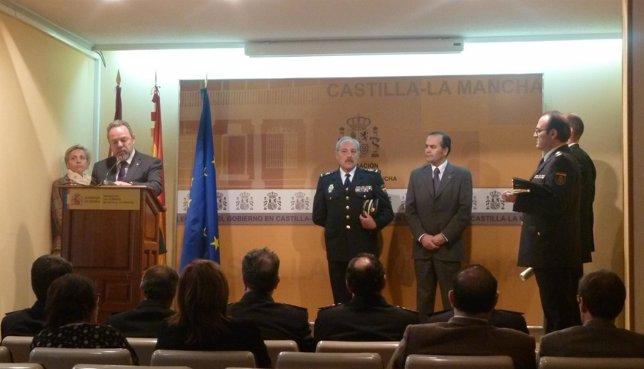 Policías condecorados por la Orden del Mérito Civil