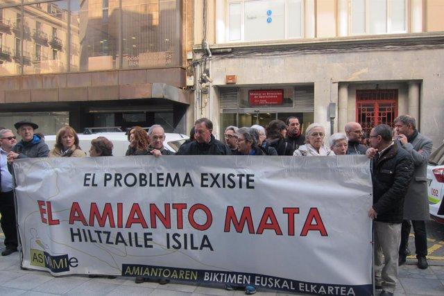 Concentración en los juzgados de Bilbao