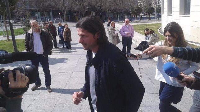 Petar Vasiljevic a su salida del juzgado.