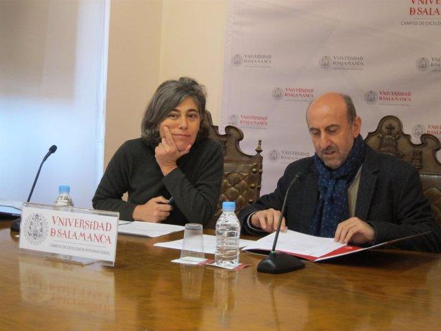 Antonio Fuertes y Cristina Pita, en la presentación de 'Agentes de salud' de la