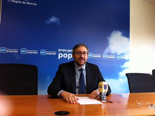 El portavoz del PP regional, Víctor Manuel Martínez