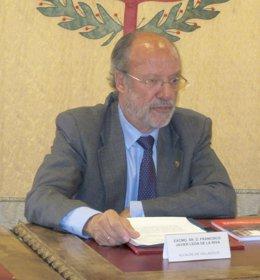 Francisco Javier León de la Riva.
