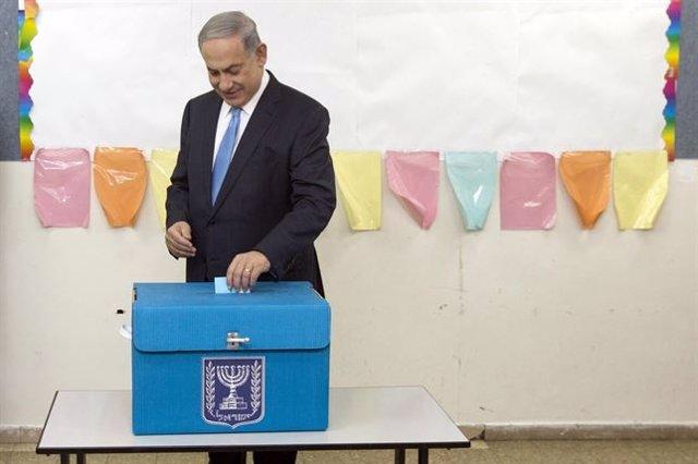 El primer ministro israelí vota