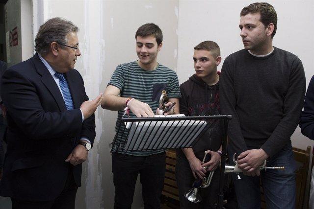Visita del alcalde al ensayo de las Cigarreras