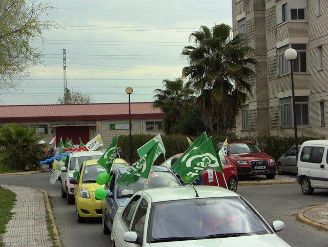 Caravana en protesta por los DCCU