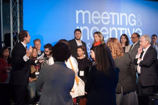 Profesionales de eventos congresos y reuniones segmento intervención promoción
