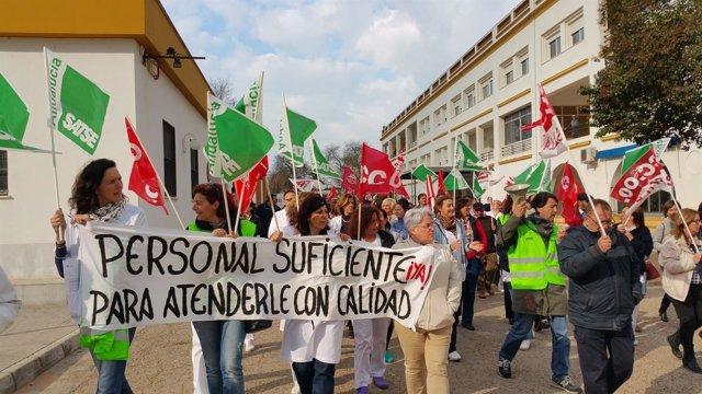 Manifestación en el Hospital El Tomillar