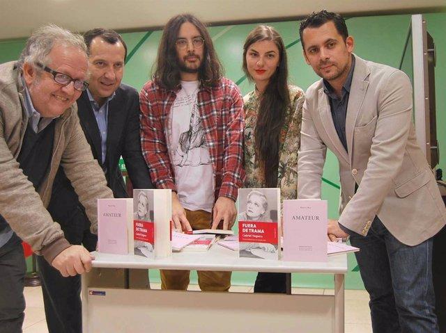 Ruiz Espejo y Raúl Perales, del IAJ, pesentan ganadores de poesía y narrativa