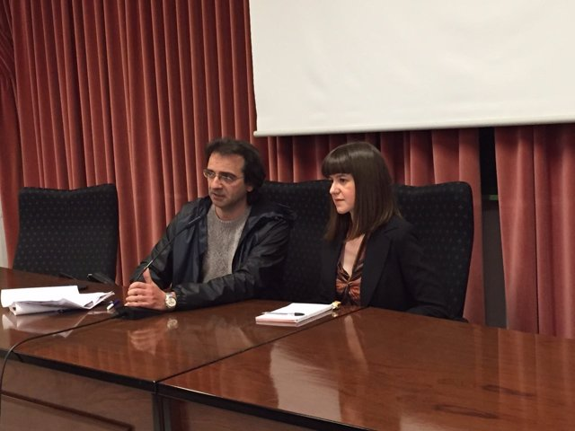La candidata de Podemos al Parlamento por Almería Lucía Ayala en la UAL