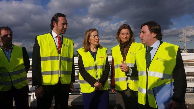 La ministra Ana Pastor visita las obras de la autopista de Llevant