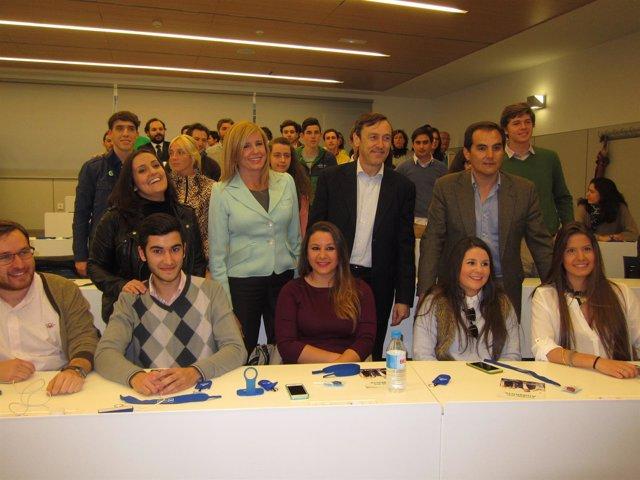Rafael Hernando con Nieto, Alarcón y Jurado en el acto con jóvenes
