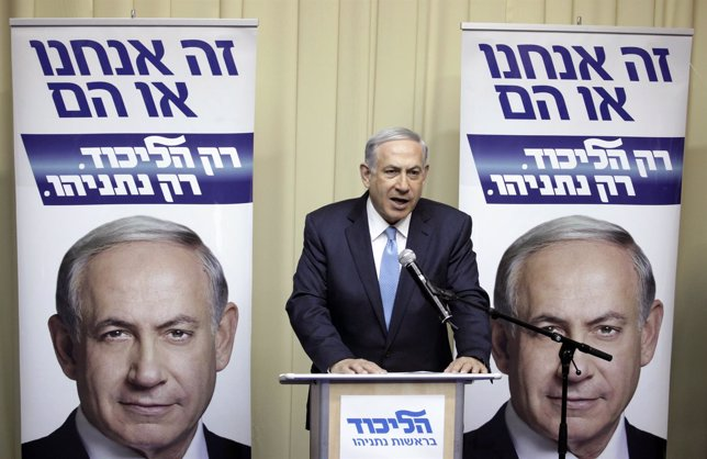 Benjamin Netanyahu pronuncia un discurso durante la jornada electoral