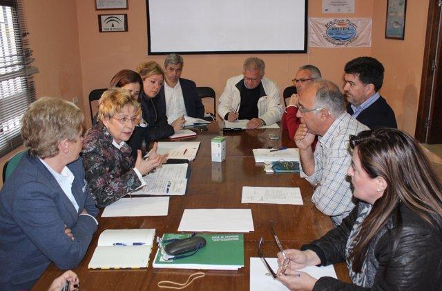 Víbora se reúne con el sector pesquero de Motril