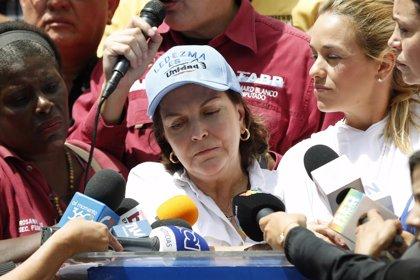 Esposa de Ledezma pide al Vaticano que interceda para lograr su liberación
