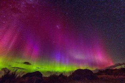 Dos tormentas solares iluminan el cielo con auroras boreales