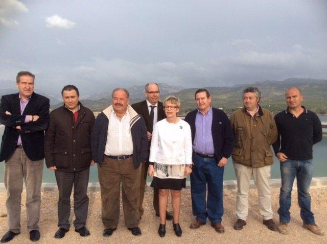 Visita de Elena Víboras a comunidad de regantes de Villacarrillo