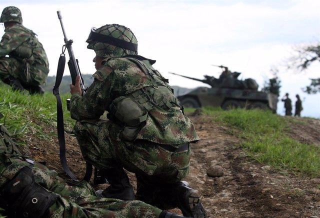 El ejército colombiano en plena operación de combate