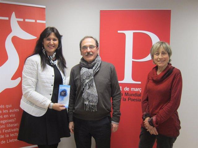 El poeta J.Pont, L.Borràs (ILC) y D.Reig (Unesco)