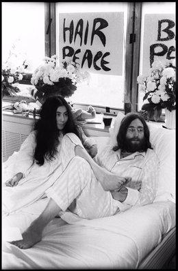 La exposición de John Lennon y Yoko Ono en La Térmica sigue hasta el 16 de mayo