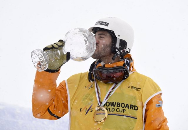 Lucas Eguibar snowboard campeón mundo