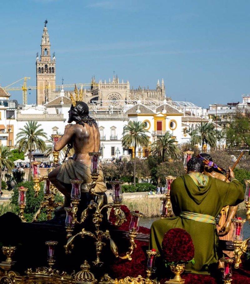 Programa y horarios de las procesiones de semana santa - Horario merkamueble sevilla ...