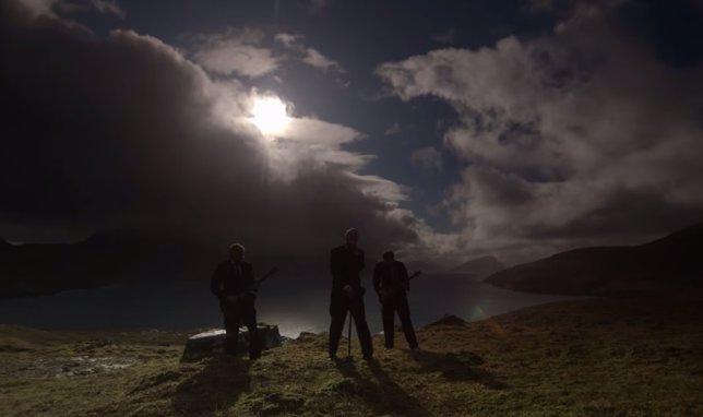 Una banda metal grabó su vídeo-clip durante el eclipse solar en las Feroe