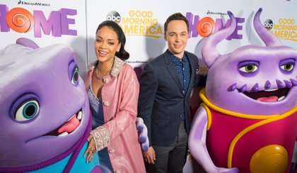 Sheldon (Jim Parsons) quiere a Rihanna y Jennifer Lopez en The Big Bang Theory
