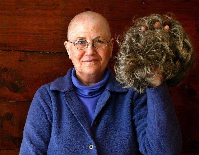 Mujer con peluca