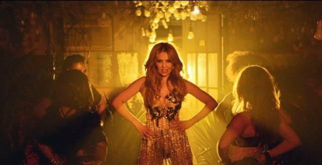 Thalía estrena el vídeo de Como tú no hay dos