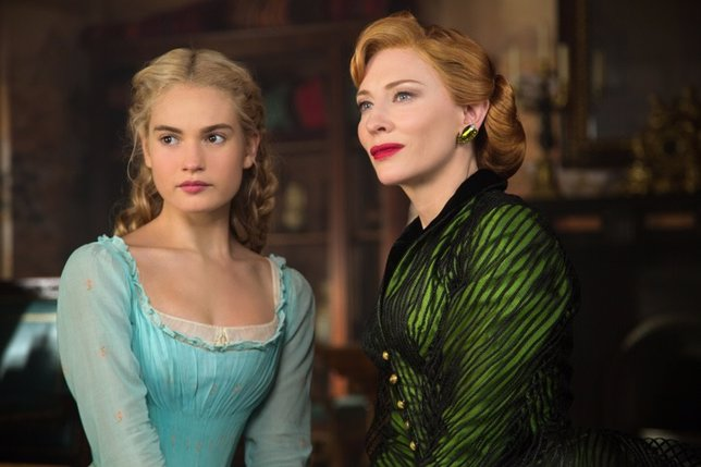 Lily James y Cate Blanchett