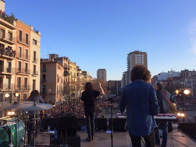 Concierto sorpresa de Sopa de Cabra en Girona