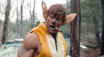Dwayne 'The Rock' Johnson se convierte en Bambi en el SNL