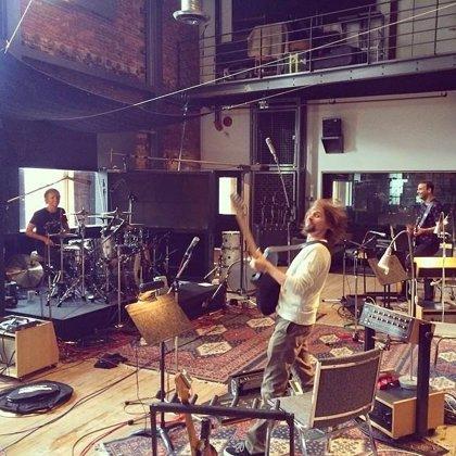 Vídeo de Muse: Making-of de las nuevas canciones The Globalist y Defector