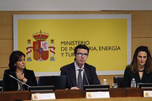 José Manuel Soria, Marta Blanco Quesada e Isabel María Borrego.