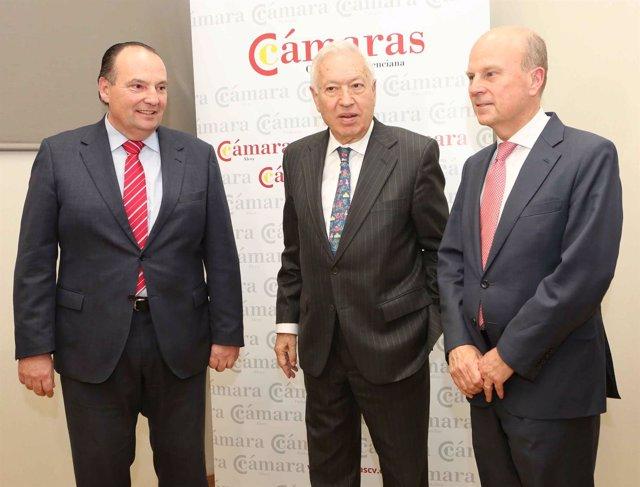 García-Margallo junto a Buch y Morata antes de la conferencia sobre Marca España