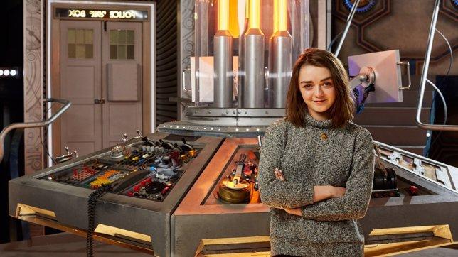 Arya (Maisie Williams) aparecerá en Doctor Who