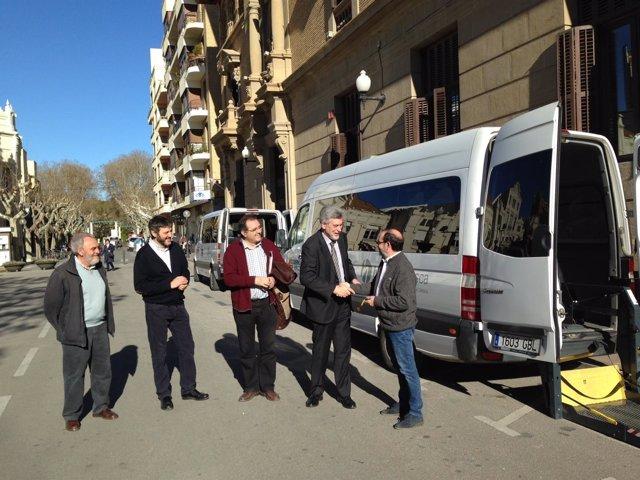 Atades y Aspace cuentan con nuevos vehículos de transporte social adaptado