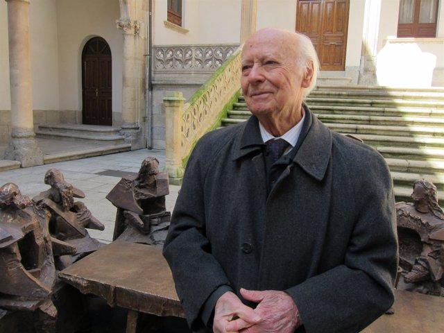 El escultor Venancio Blanco