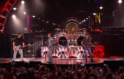 Vídeo: Van Halen vuelven a los escenarios con un concierto televisado desde Hollywood