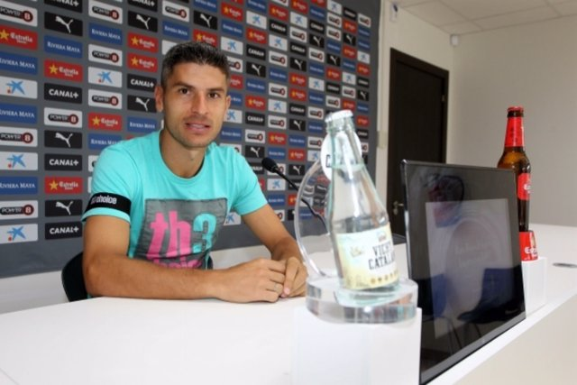 Salva Sevilla en rueda de prensa en Cornellà