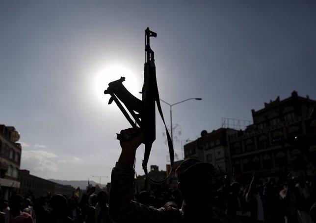 Seguidores de los huthis en Yemen
