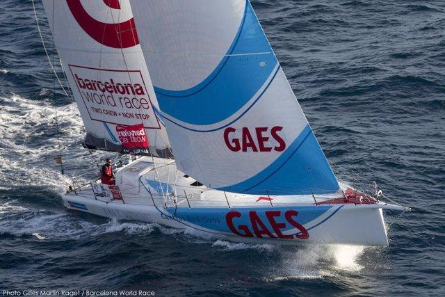El 'GAES Centros Auditivos' completa el podio de la Barcelona World Race