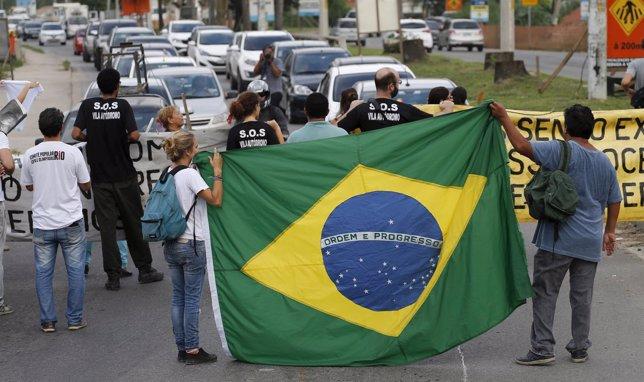 Decenas de personas protestan contra los desalojos en Río por PArque Olímpico