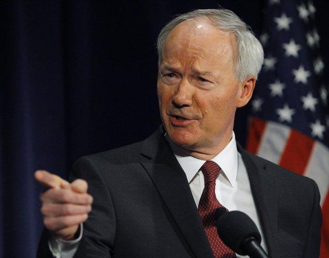 Gobernador del estado de Arkansas, Asa Hutchinson