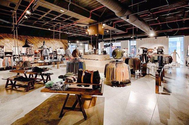 seleccione para genuino disfruta del precio inferior nuevas variedades Vallsur inaugura este sábado la primera tienda de ropa ...
