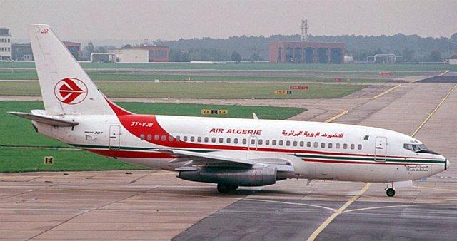 Avión Boeing 737-200 de la aerolínea Air Algerie