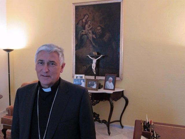 El obispo de Cádiz y Ceuta, Rafael Zornoza Boy