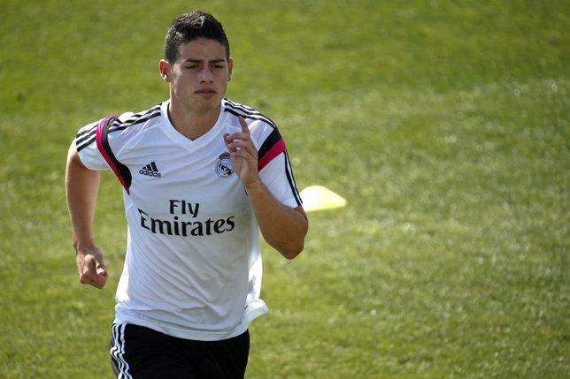 James Rodríguez se entrena con el Real Madrid